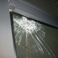 泥棒現場 防犯ガラス型板